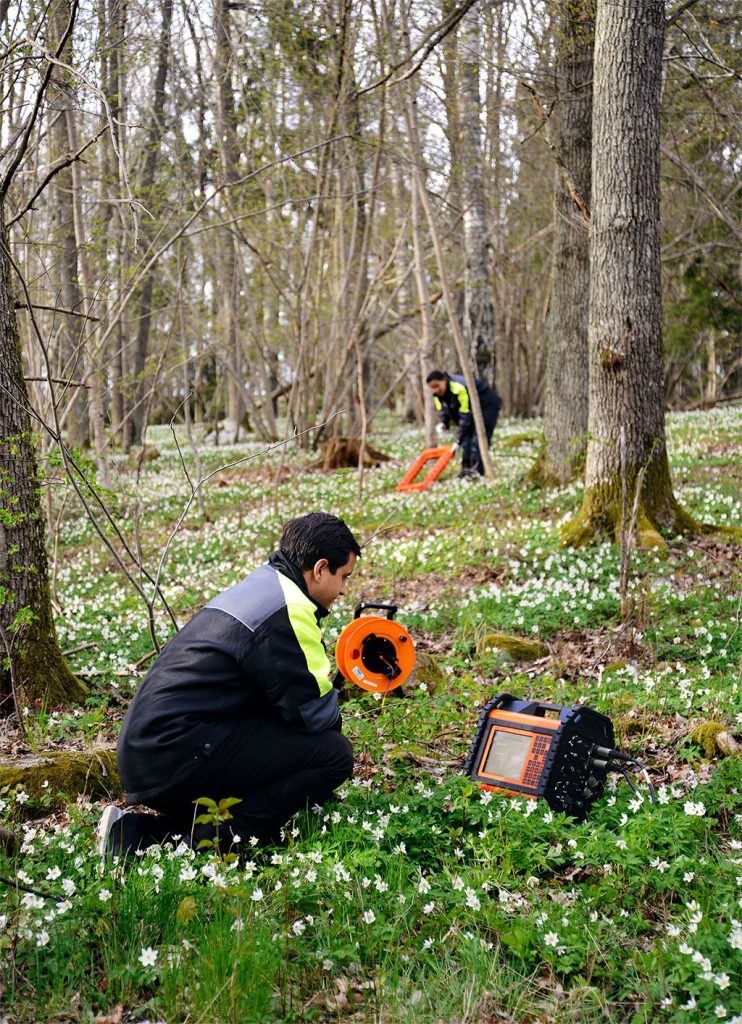 Transient Electromagnetic measurement out in the field with WalkTEM